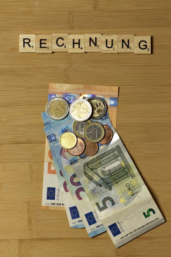 Ο λογαριασμός σημαδιών, τιμολογεί γερμανικό Rechnung στοκ εικόνα με δικαίωμα ελεύθερης χρήσης