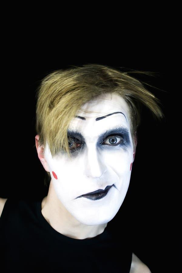 ο Μαύρος ανασκόπησης που χαμογελά mime στοκ φωτογραφίες