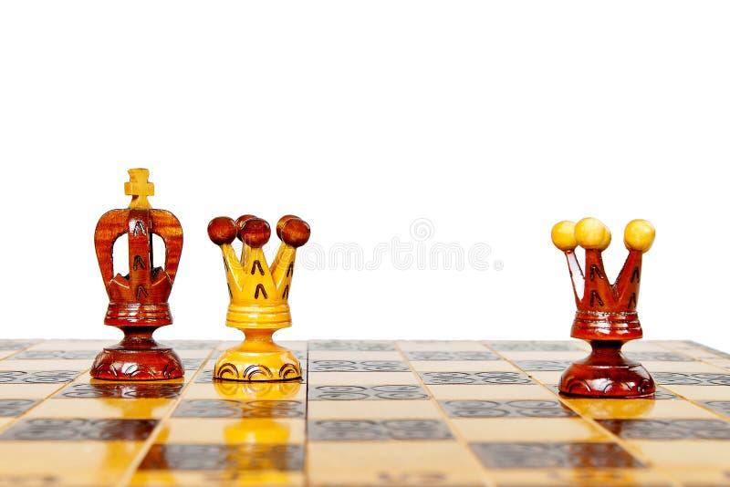 Ο μαύρος βασιλιάς προδίδει τη μαύρη λευκιά βασίλισσα μορίων βασίλισσας στοκ εικόνα