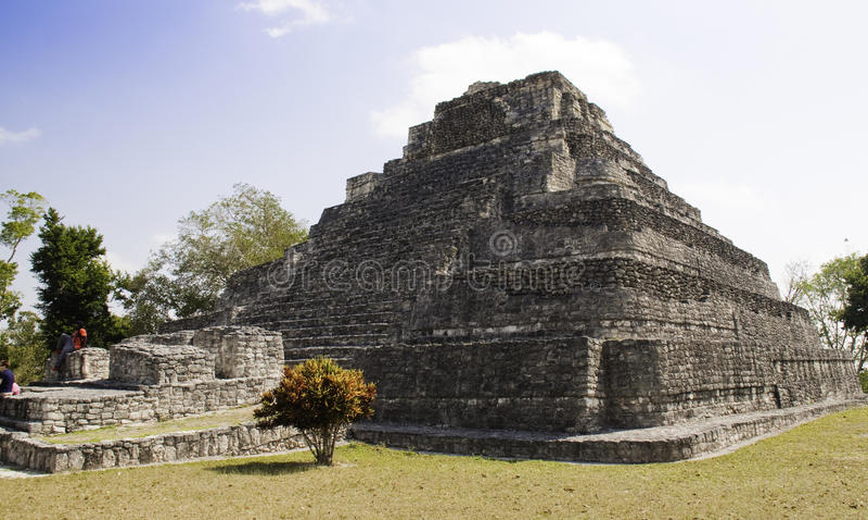 Ο μεγάλος ναός, Mayan καταστρέφει κοντά στη πλευρά Maya Μεξικό στοκ εικόνα με δικαίωμα ελεύθερης χρήσης
