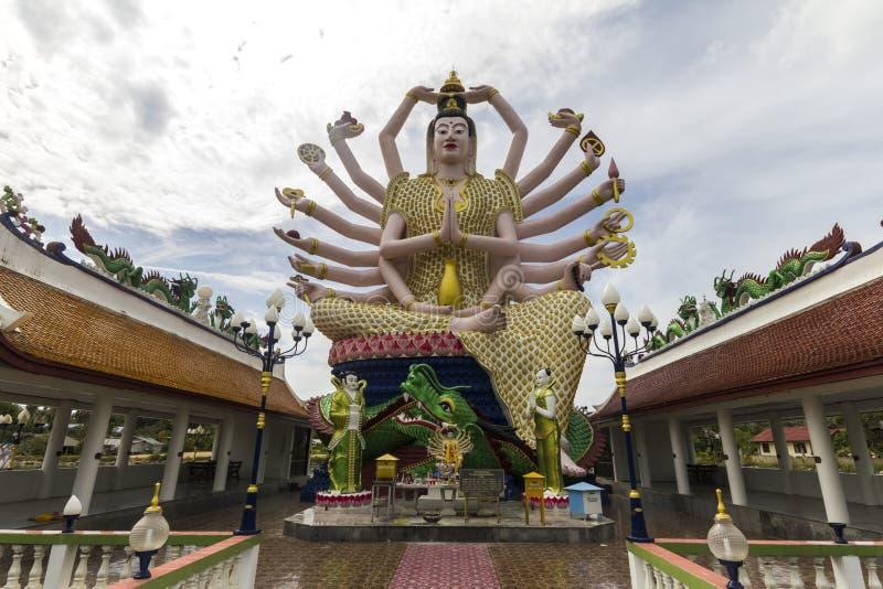 Ο μεγάλος Βούδας με πολλά όπλα στοκ φωτογραφία με δικαίωμα ελεύθερης χρήσης