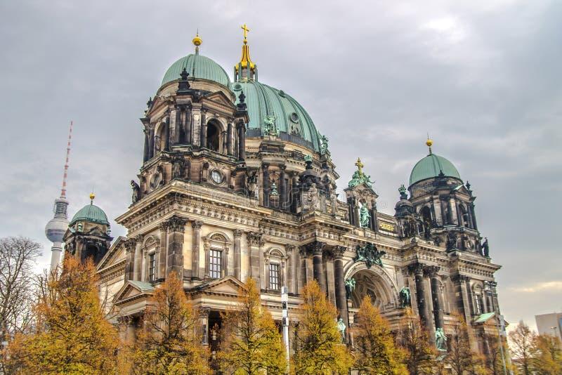 Ο μεγαλοπρεπής καθεδρικός ναός του Βερολίνου, το κτήριο και ο θόλος του προτεσταντικού καθεδρικού ναού στο Βερολίνο, Γερμανία στοκ εικόνα με δικαίωμα ελεύθερης χρήσης