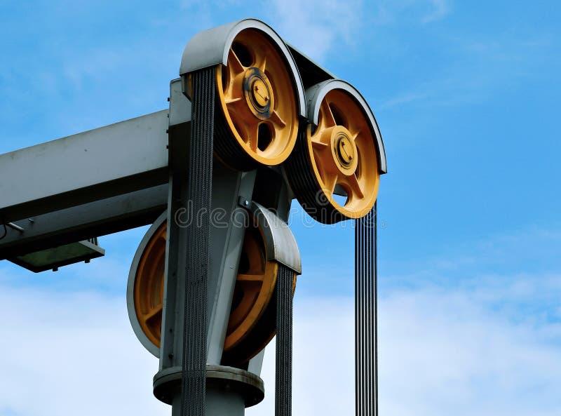 Ο μηχανισμός ανύψωσης των ανελκυστήρων στοκ φωτογραφία με δικαίωμα ελεύθερης χρήσης