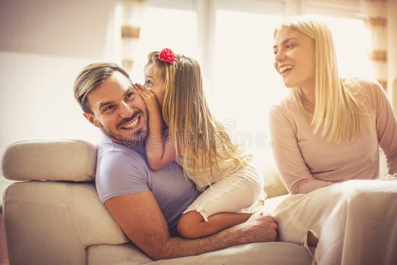 Ο μπαμπάς Hey υποθέτει τι; Σ' αγαπώ στοκ φωτογραφία με δικαίωμα ελεύθερης χρήσης