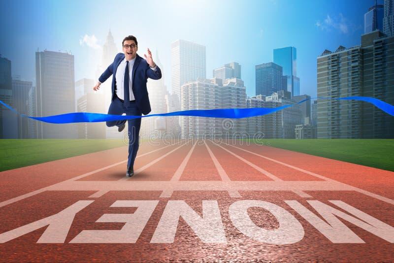 Ο νέος επιχειρηματίας που χαράζει τα χρήματα στην οικονομική επιχειρησιακή έννοια στοκ εικόνες