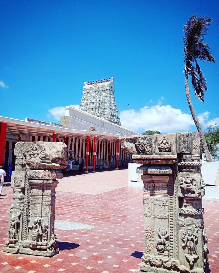 Ο ναός συναντά την παραλία στοκ εικόνες