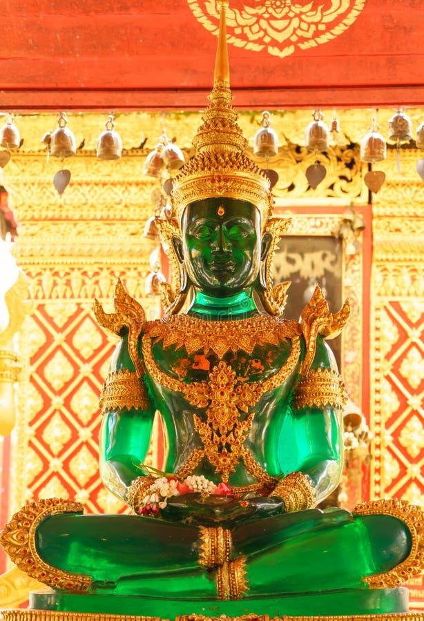 Ο νεφρίτης Βούδας Wat Phra ότι Doi Suthep είναι buddhis ενός Theravada στοκ εικόνα