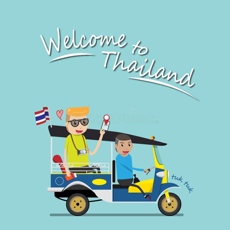 Ο ξένος τουρίστας παίρνει tuk tuk για την έλξη επίσκεψης γύρω από τη Μπανγκόκ, Ταϊλάνδη tuk tuk είναι ένας τοπικός φορέας ταξί με απεικόνιση αποθεμάτων