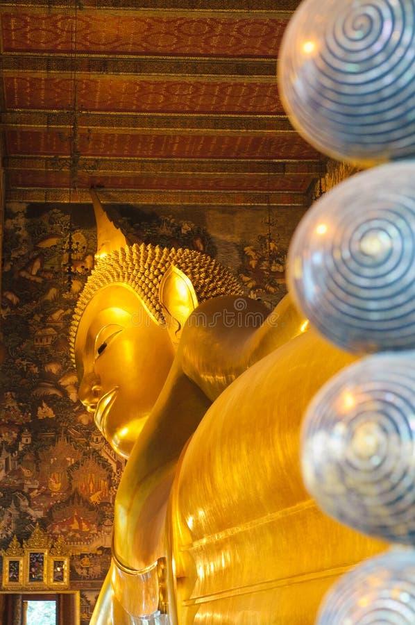 Ο ξαπλώνοντας Βούδας, wat pho, Μπανγκόκ στοκ φωτογραφία με δικαίωμα ελεύθερης χρήσης