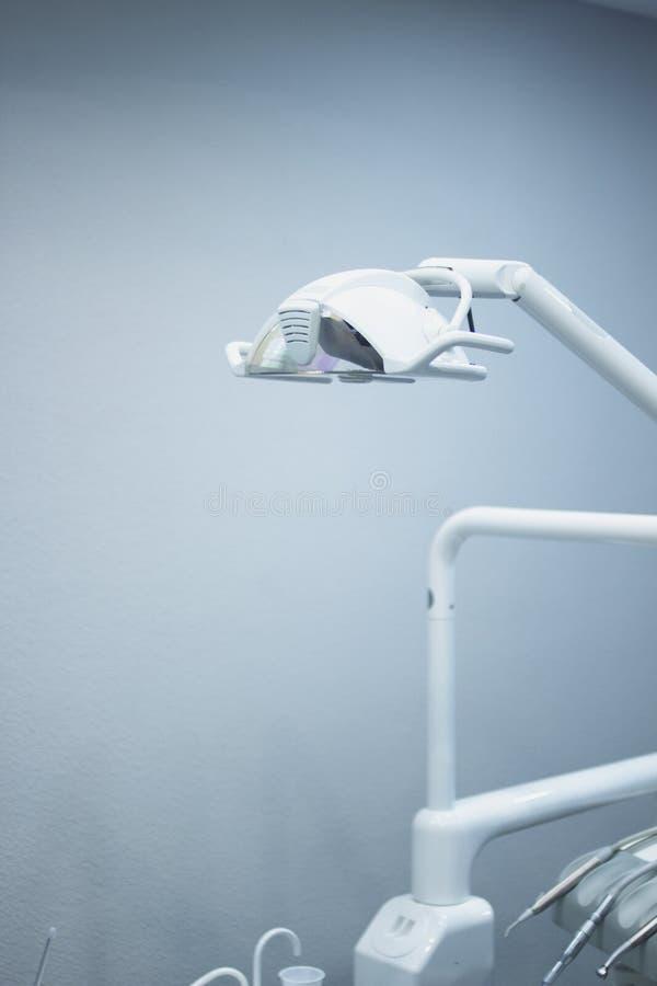Οδοντική καρέκλα οδοντιάτρων στοκ φωτογραφία με δικαίωμα ελεύθερης χρήσης