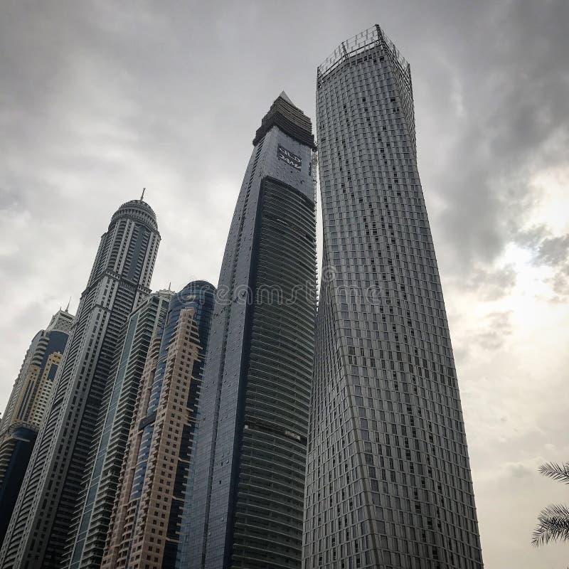 Ο ορίζοντας μαρινών του Ντουμπάι ενώνει τα αραβικά εμιράτα στοκ φωτογραφίες με δικαίωμα ελεύθερης χρήσης