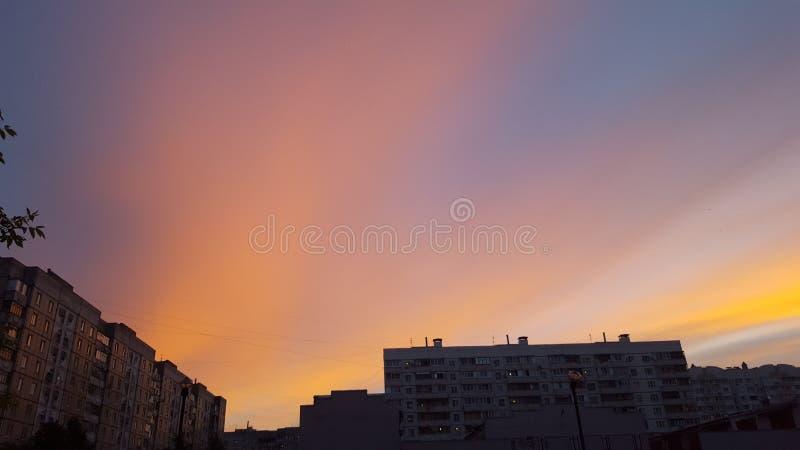 Ο ουρανός βραδιού στοκ εικόνα με δικαίωμα ελεύθερης χρήσης