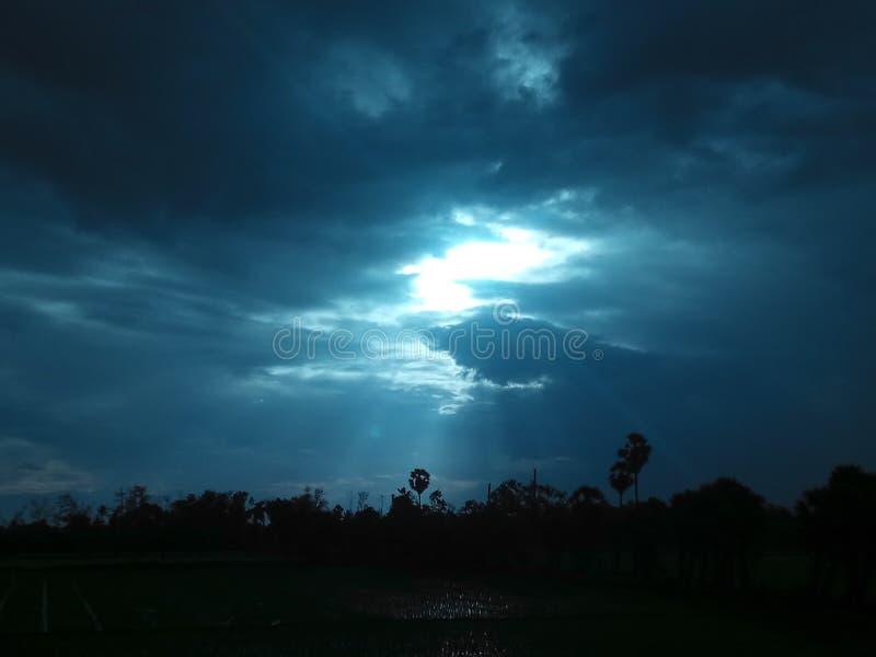 Ο ουρανός είναι πάντα στον αέρα στοκ εικόνες