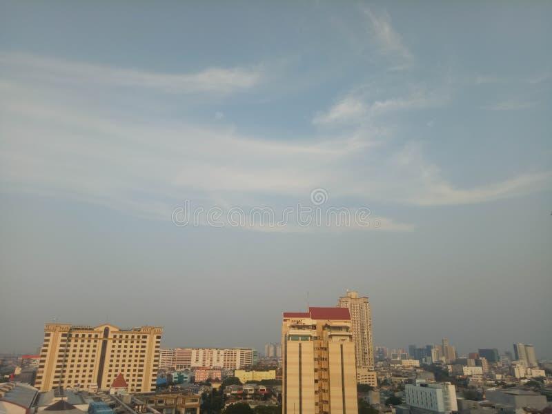 Ο ουρανός Τζακάρτα είναι Οικοδόμηση, υπαίθριος και ξενοδοχείο στοκ φωτογραφία