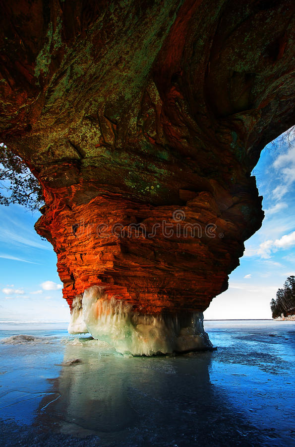 Ο πάγος νησιών αποστόλων ανασκάπτει το Ουισκόνσιν στοκ φωτογραφίες
