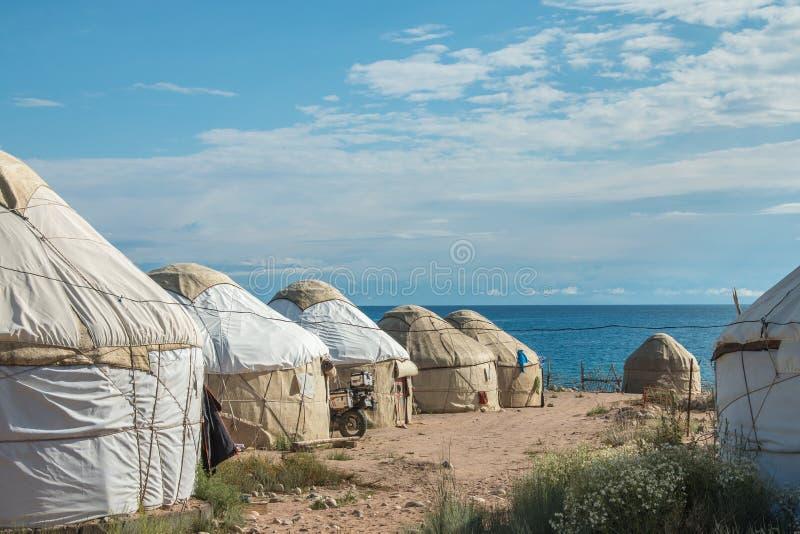 Ο παραδοσιακός Κιργίσιος yurts σε Bokonbayevo, Κιργιστάν - ένα δημοφιλές κέντρο για την Κοινότητα βάσισε τον τουρισμό CBT στοκ φωτογραφίες με δικαίωμα ελεύθερης χρήσης
