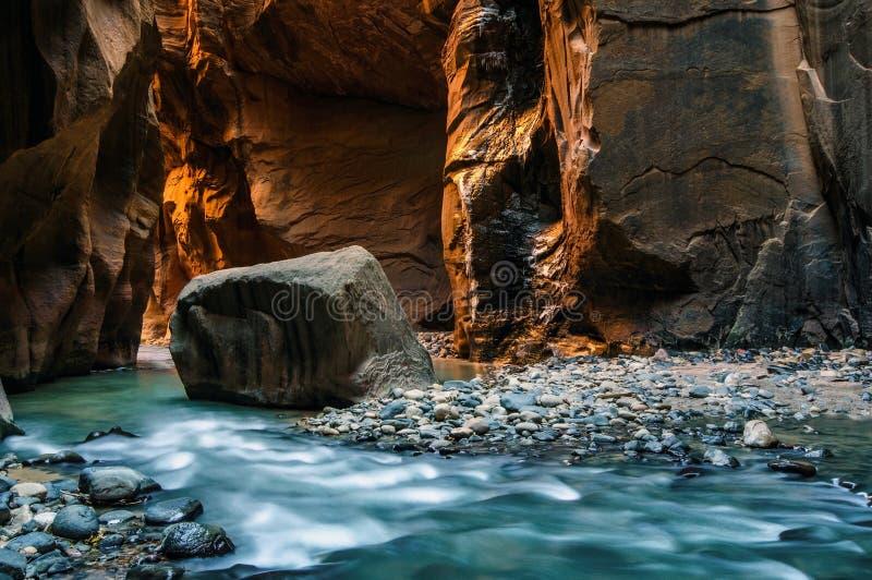 Ο πεσμένος βράχος στοκ εικόνες με δικαίωμα ελεύθερης χρήσης