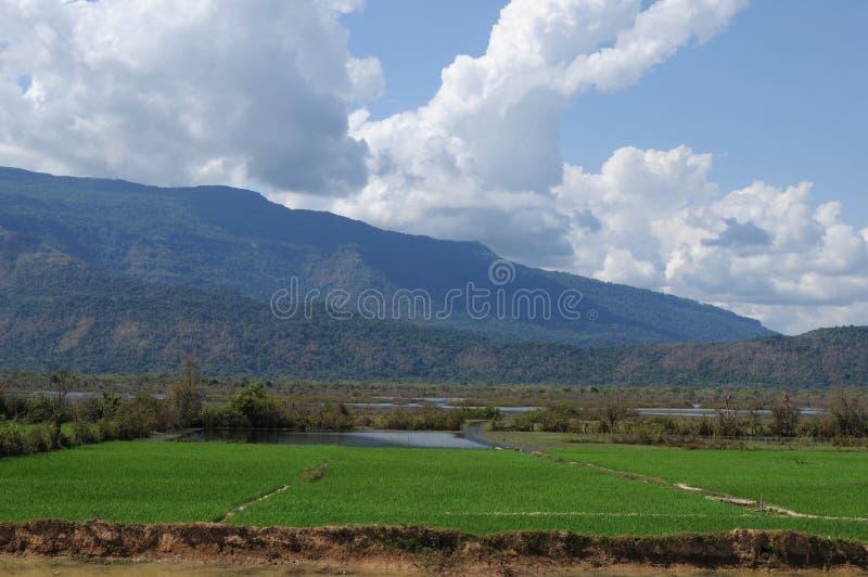 Ο πληθυσμός του λάος κατά μήκος του ποταμού mekong είναι αγρότες και αλιείς στοκ εικόνα