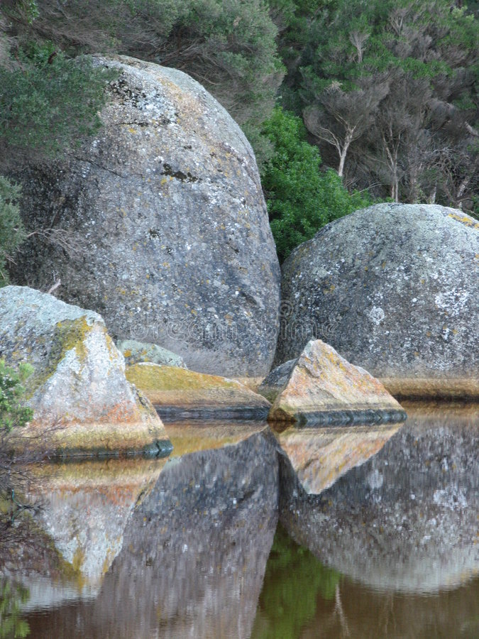 ο ποταμός λικνίζει παλιρροιακό στοκ φωτογραφία με δικαίωμα ελεύθερης χρήσης