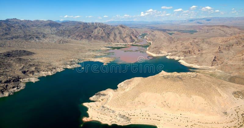 Ο ποταμός του Κολοράντο ενώνει το υδρόμελι λιμνών στοκ εικόνες