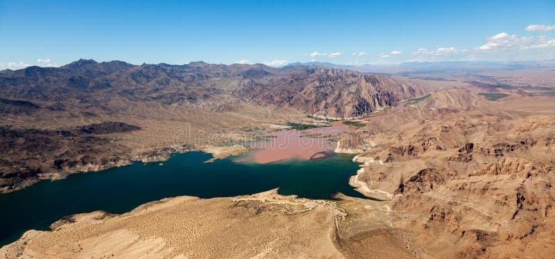 Ο ποταμός του Κολοράντο ενώνει το υδρόμελι λιμνών στοκ φωτογραφίες με δικαίωμα ελεύθερης χρήσης