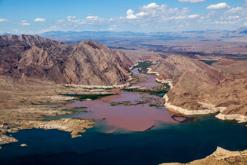 Ο ποταμός του Κολοράντο ενώνει το υδρόμελι λιμνών στοκ φωτογραφία
