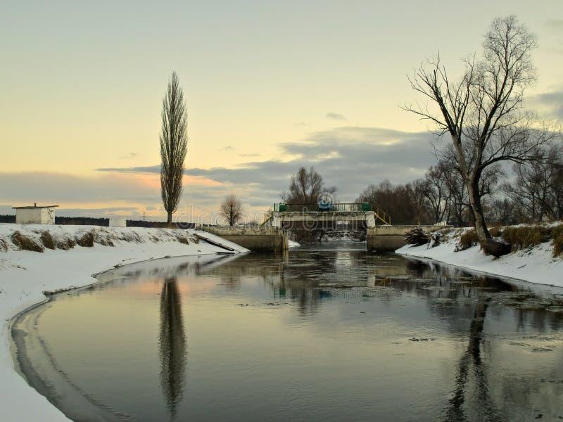 Ο ποταμός στοκ εικόνες με δικαίωμα ελεύθερης χρήσης