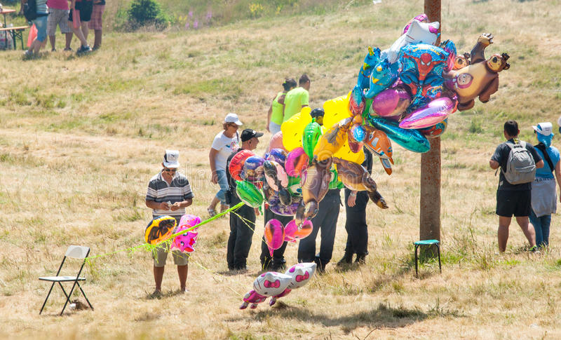 Ο πωλητής του φεστιβάλ μπαλονιών Rozhen 2015 στοκ φωτογραφία