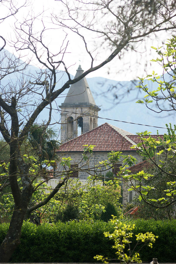 Ο πύργος κουδουνιών της εκκλησίας του ST Mary στοκ εικόνα
