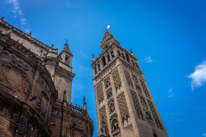 Ο πύργος κουδουνιών Giralda στη Σεβίλη, Ισπανία, Ευρώπη στοκ φωτογραφία με δικαίωμα ελεύθερης χρήσης