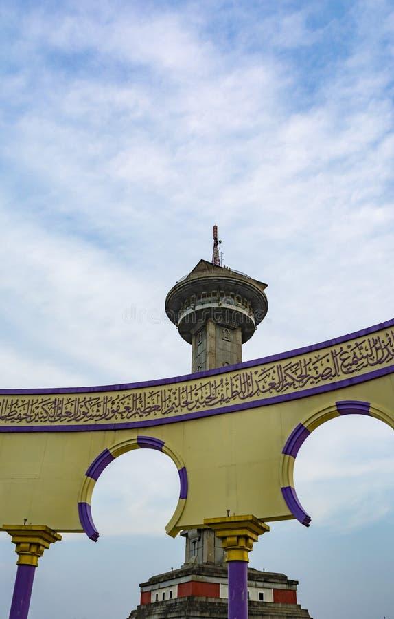 Ο πύργος στο Μεγάλο Τέμενος της Κεντρικής Ιάβας Masjid Agung Jawa Tengah στο Semarang της Ινδονησίας στοκ εικόνα με δικαίωμα ελεύθερης χρήσης