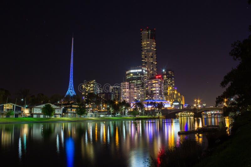 Ο πύργος του EUREKA απεικονίζει στον ποταμό yarra τη νύχτα, Melbroune, Αυστραλία στοκ φωτογραφίες με δικαίωμα ελεύθερης χρήσης