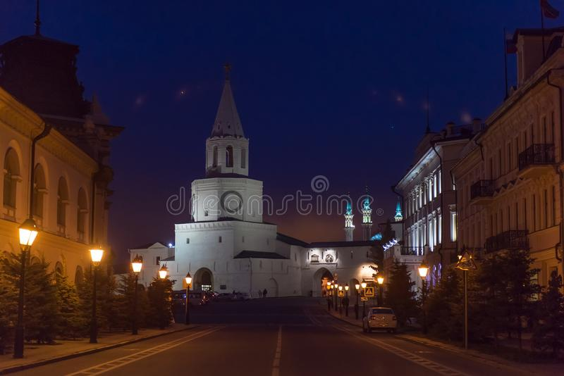 Ο πύργος Spasskaya Savior ` s τη νύχτα, Kazan Κρεμλίνο στη Ρωσία στοκ εικόνες