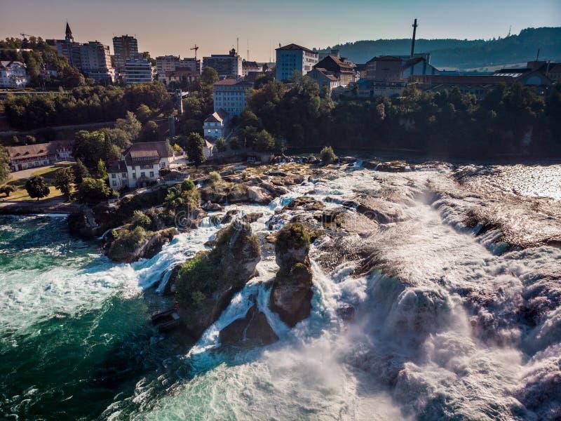 Ο Ρήνος πέφτει Ελβετία στοκ εικόνες
