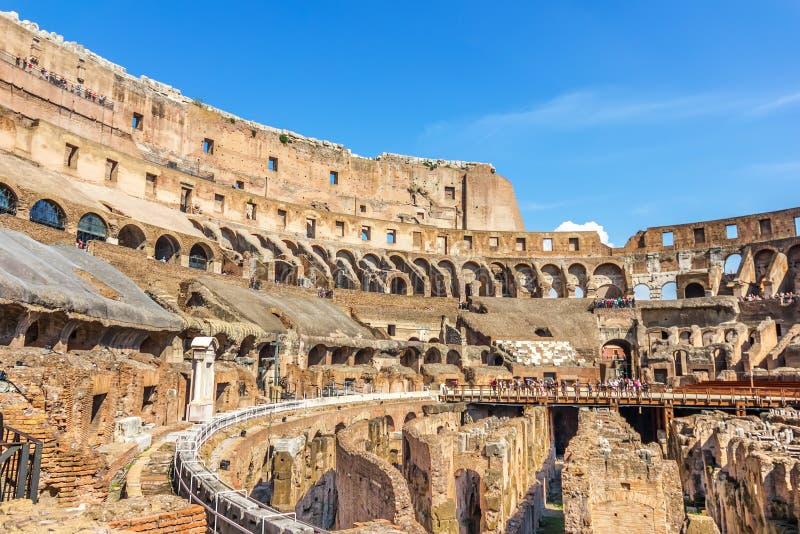Ο ρωμαϊκός χώρος Colloseum από μέσα στοκ εικόνα