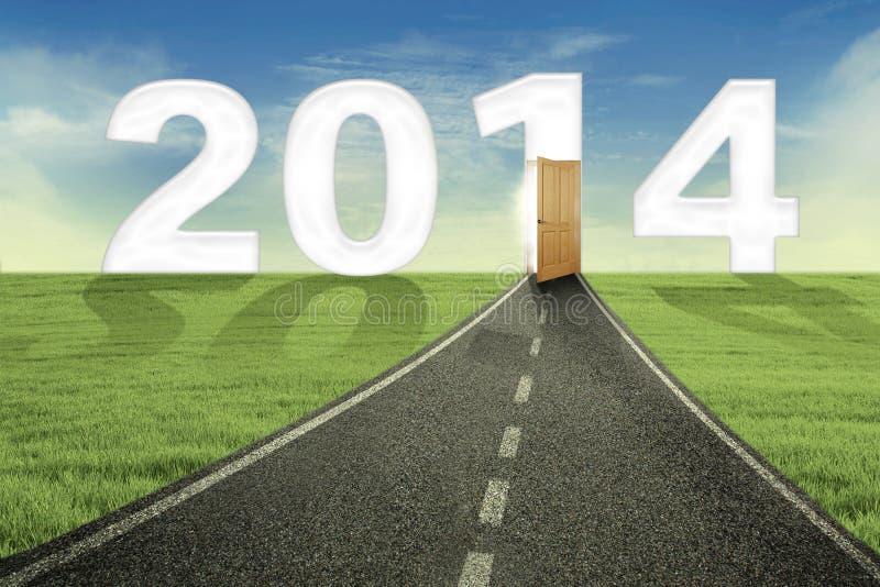 Ο δρόμος και η ανοιχτή πόρτα στο νέο μέλλον στοκ εικόνα