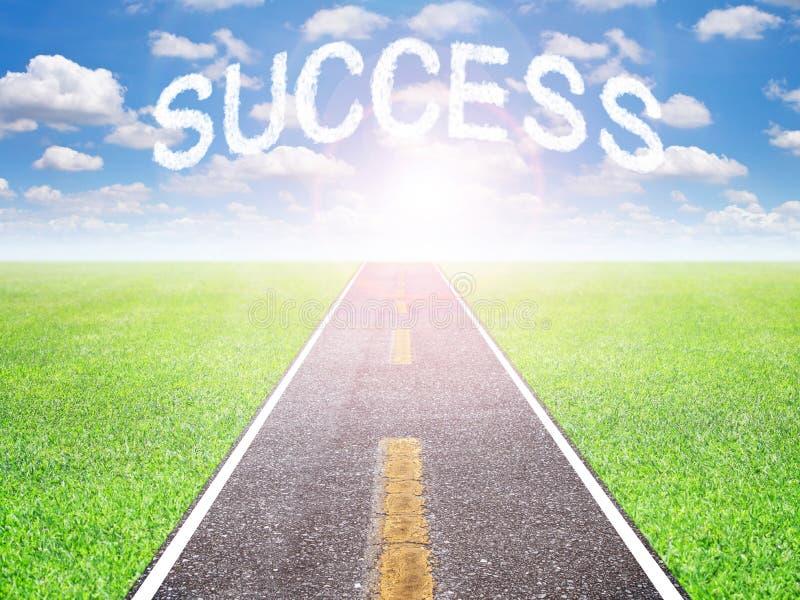 Ο δρόμος στην επιτυχία στο μέλλον στοκ εικόνες με δικαίωμα ελεύθερης χρήσης