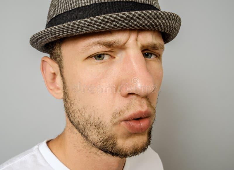 Ο συναισθηματικός τύπος εκφράζει έκπληκτος Του προσώπου έκφραση στοκ εικόνα
