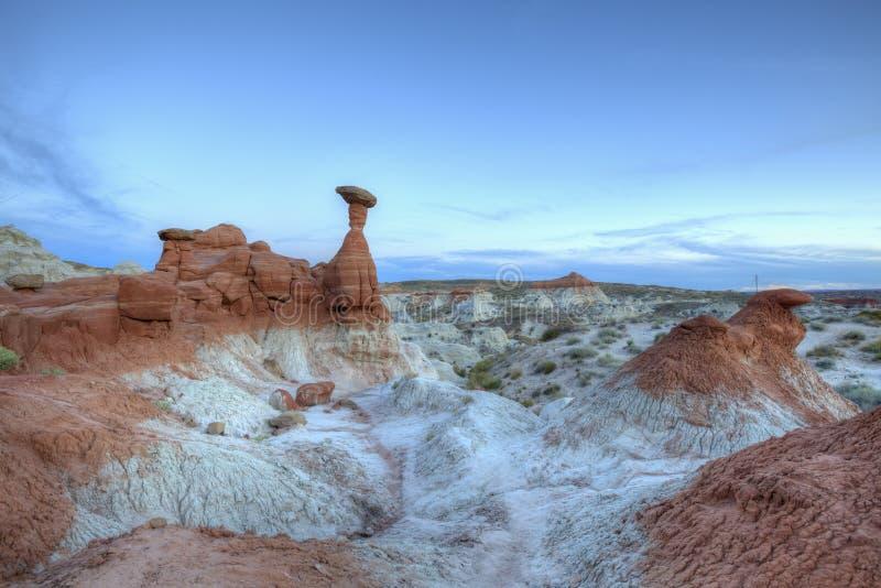 Ο σχηματισμός βράχου Toadstools Hoodoo μετά από το ηλιοβασίλεμα στοκ εικόνες με δικαίωμα ελεύθερης χρήσης