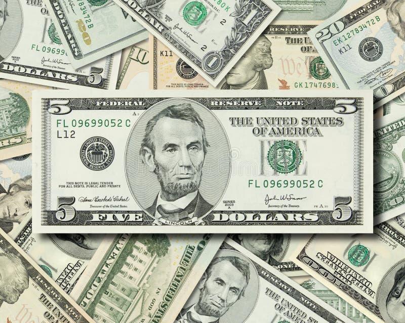 ο σωρός δολαρίων τραπεζ&omicr στοκ εικόνα