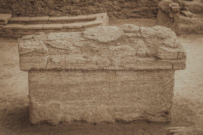 Ο τάφος του ρωμαϊκού αυτοκράτορα - Viminacium στοκ φωτογραφία με δικαίωμα ελεύθερης χρήσης