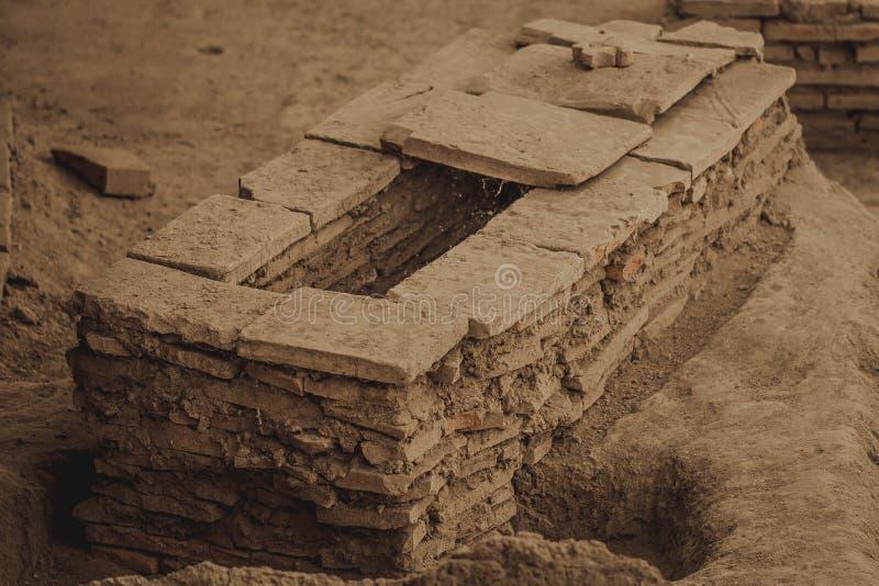 Ο τάφος του ρωμαϊκού αυτοκράτορα - Viminacium στοκ εικόνα με δικαίωμα ελεύθερης χρήσης