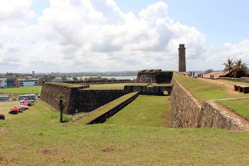 Ο τοίχος και ο πύργος ρολογιών γύρω από το οχυρό Galle στοκ φωτογραφίες