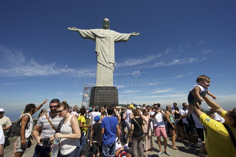 Ο τουρίστας συσσωρεύει την επίσκεψη Corcovado Ρίο Βραζιλία στοκ εικόνες