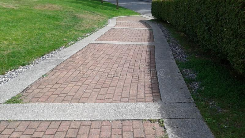 Ο τούβλινος δρόμος στοκ εικόνα με δικαίωμα ελεύθερης χρήσης