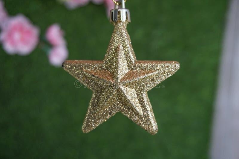 ο τρισδιάστατος χρυσός Χριστουγέννων hdr δίνει το αστέρι στοκ φωτογραφία με δικαίωμα ελεύθερης χρήσης