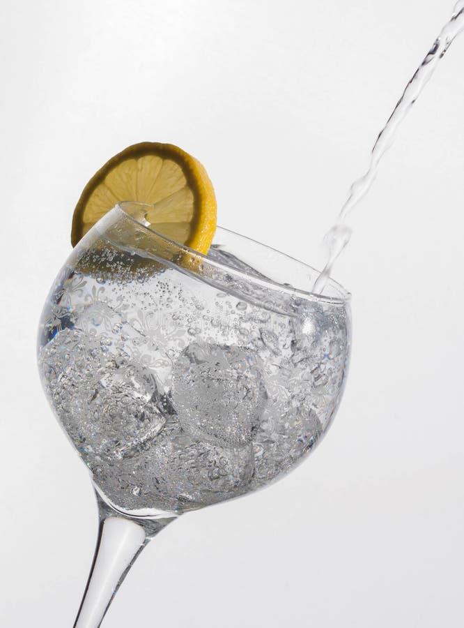 Ο τρόπος να αποσβηθεί η δίψα στοκ φωτογραφία με δικαίωμα ελεύθερης χρήσης