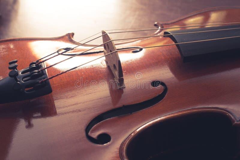 Download Ο τρύγος φιλτράρισε το ξύλινο βιολί Στοκ Εικόνα - εικόνα από arroyos, τρύγος: 62715693