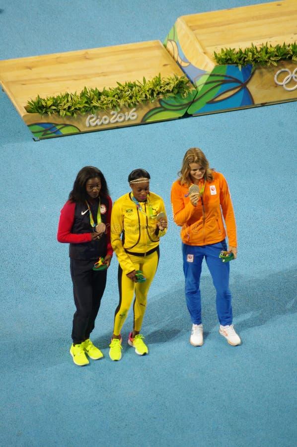 Ολυμπιακός κάτοχος μετάλλιο στο γεγονός ορμής γυναικών ` s 200m στους Ολυμπιακούς Αγώνες Rio2016 στοκ φωτογραφία