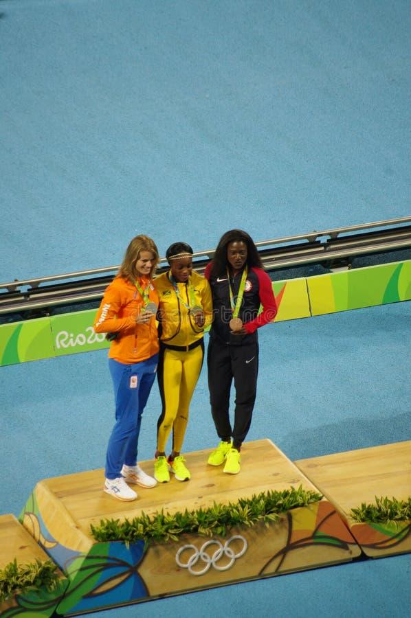 Ολυμπιακός κάτοχος μετάλλιο στο γεγονός ορμής γυναικών ` s 200m στους Ολυμπιακούς Αγώνες Rio2016 στοκ φωτογραφία με δικαίωμα ελεύθερης χρήσης